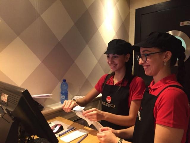 Operatrici Mister Pizza usano Pluto Kitchen